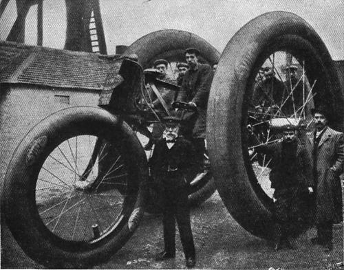 1896_Giant_Tricycle