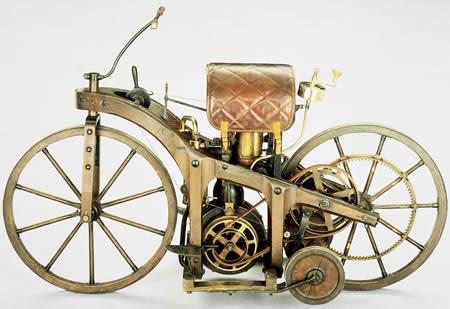 1885_German_inventors_Gottlieb_Daimler_Wilhelm Maybach _Bad_Cannstatt_Stuttgart_first _motorcycle