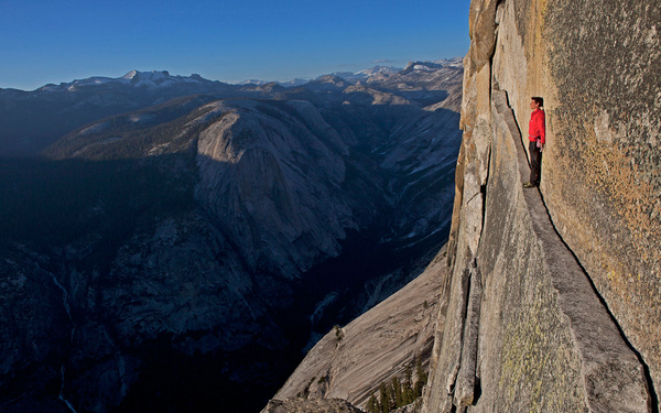 Alex_Honnold_at_2000feet