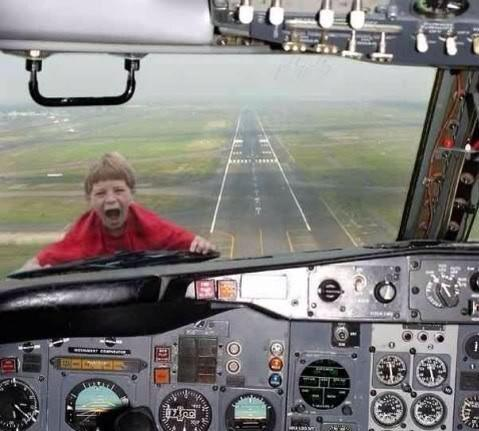 kid_on_airplane