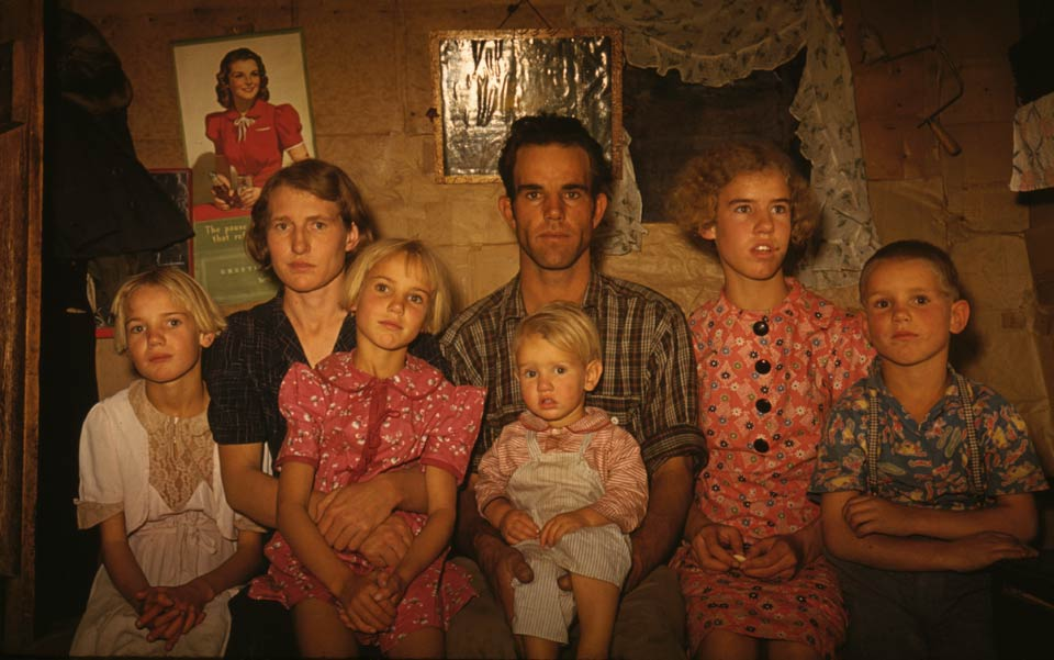 Jack_Whinery_family_Pie_Town_NewMexicoOctober1940