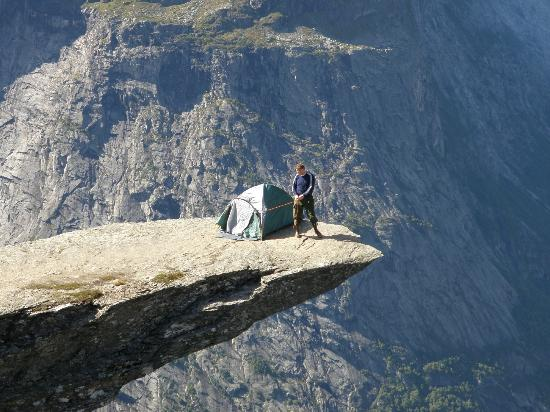 On_the_Edge_Trolltunga_Norway_3