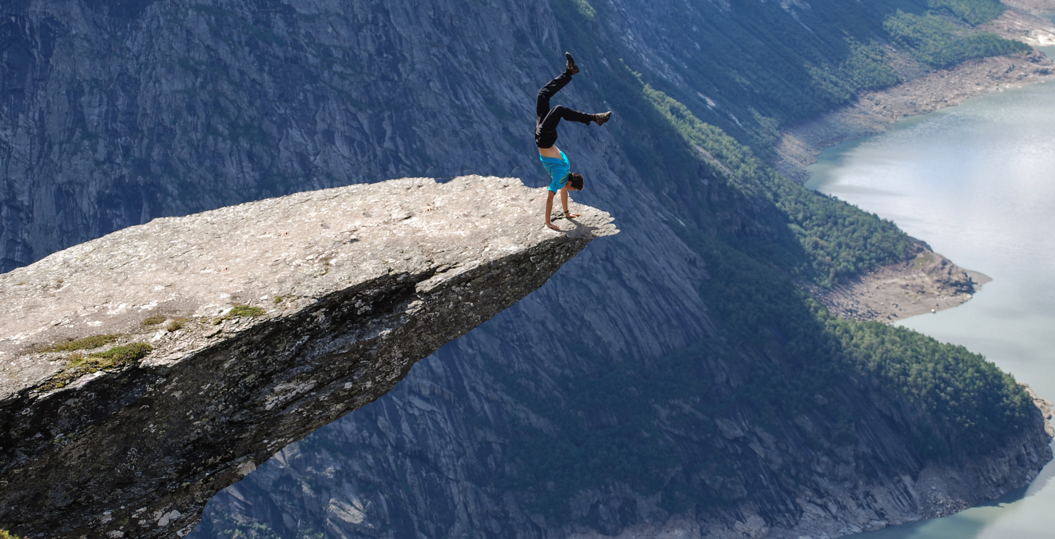 On_the_Edge_Trolltunga_Norway_4