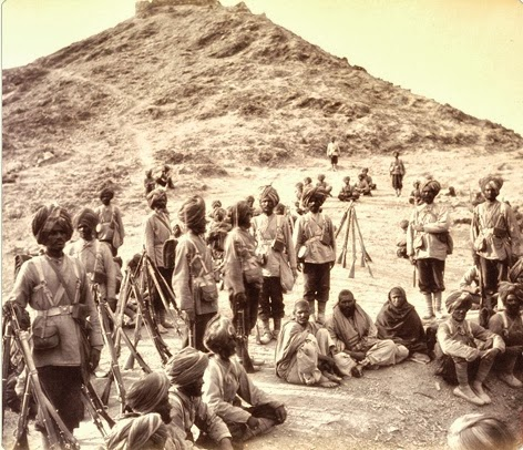 11-45th_Sikh_Regiment_escorting_prisoners_-_2nd_afghan_war