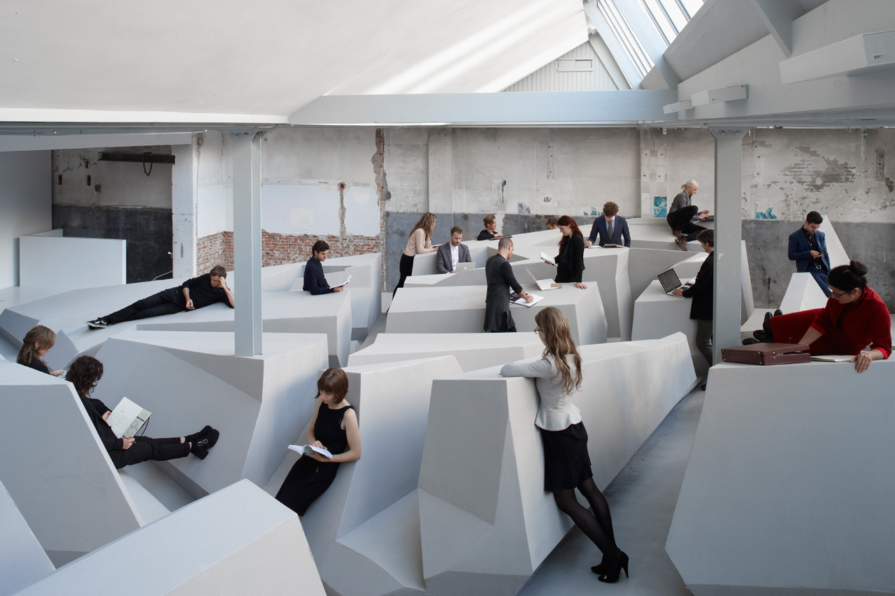 futuristic-office-doesnt-have-chairs-or-desks