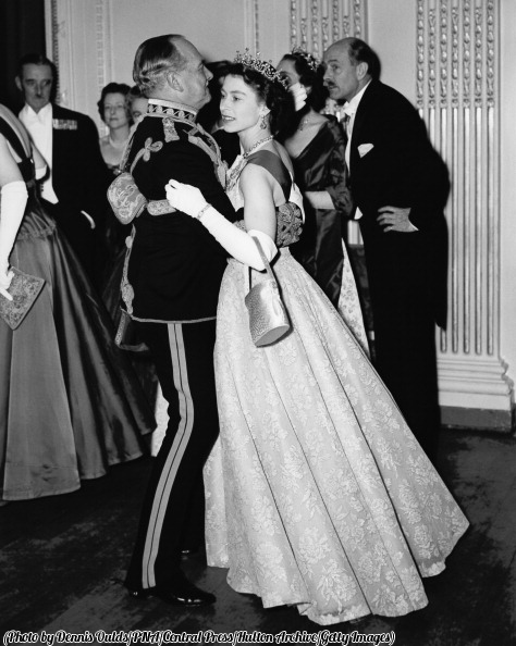 Queen_Elizabeth_II_dances_with_an_Air_Marshal_1954