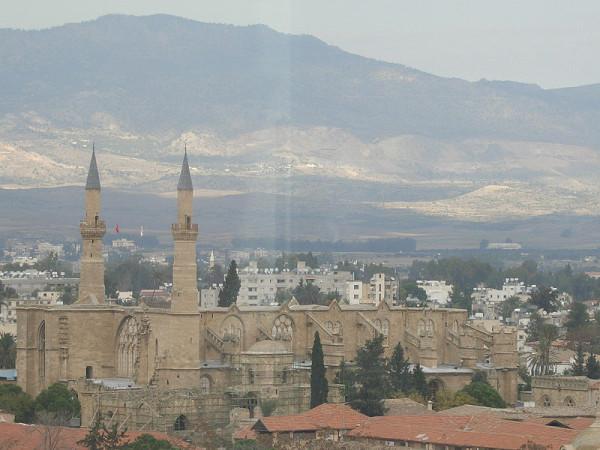 800px-Saint_Sophia,_Nicosia