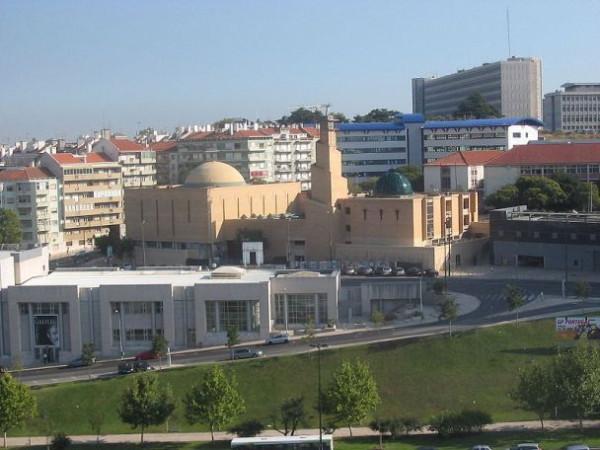 800px-Lisbon_Mosque