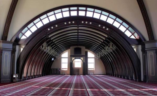 Один-из-залов-мечети