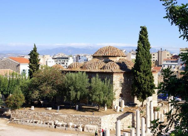 значительный памятник турецкой эпохи Афин - мечеть Фетхие-Джами