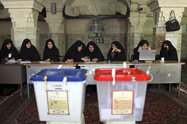 la-fg-wn-iran-election-polls-close-20130614-002