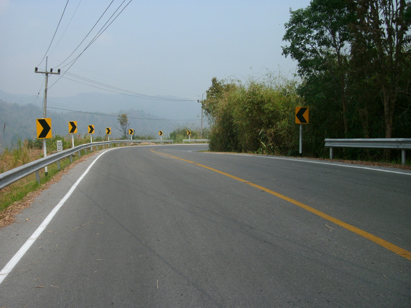 Дорога в горах Таиланда