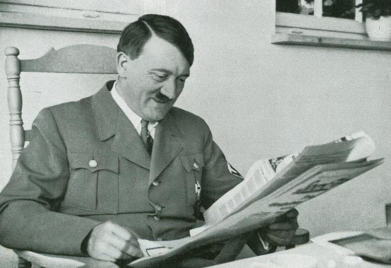 Гитлер читает предвыборную программу равиина Кахане