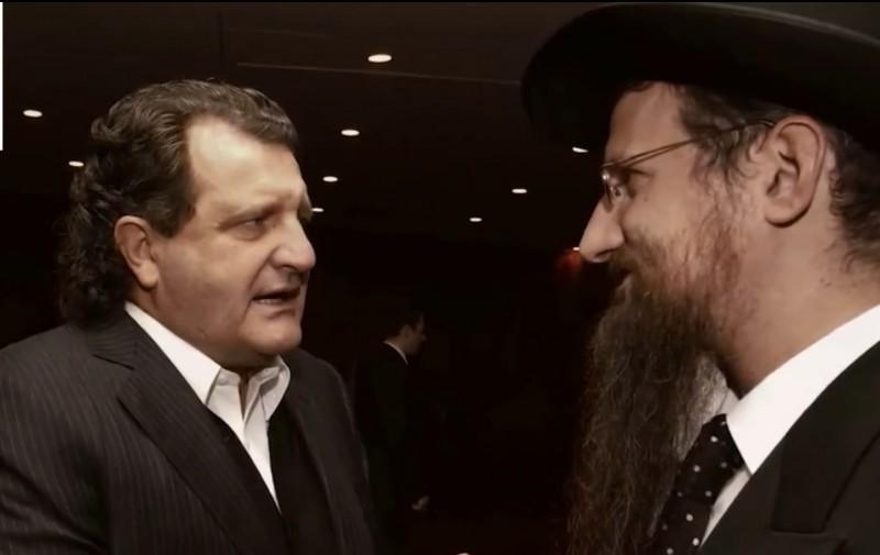 наркобарон-сионист   и агент кгб Shabtai Калманович и главный равин России резидент иудо-нацистской  секты Хабад