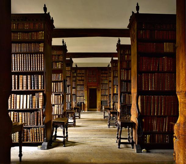 библиотека университета Кембриджа Англия