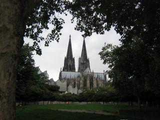 Кельнский собор с берега Рейна