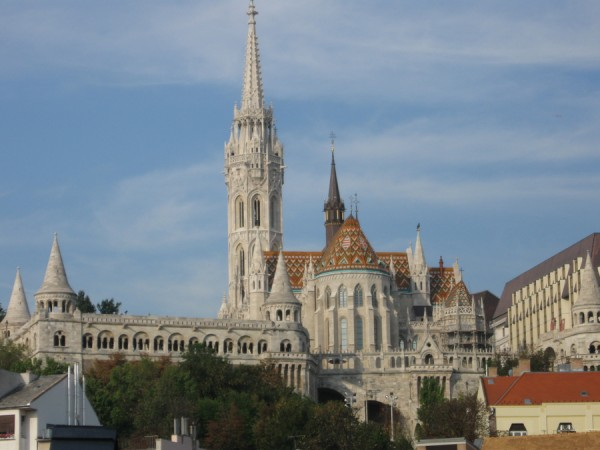 slide_hungary_building_spire
