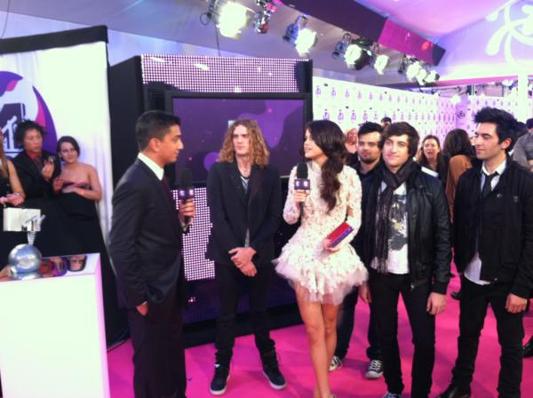 Selena Gomez[2] - Page 38 0004fxpe