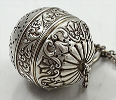 20 Gorham sterling silver tea ball c 1900.jpg