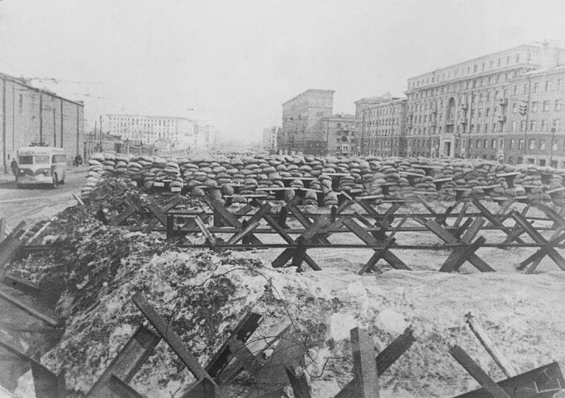 Баррикады на улицах Москвы. Осень 1941 года
