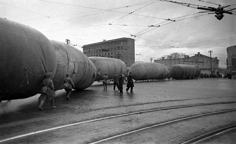 Аэростаты занимают исходные позиции. Октябрь 1941