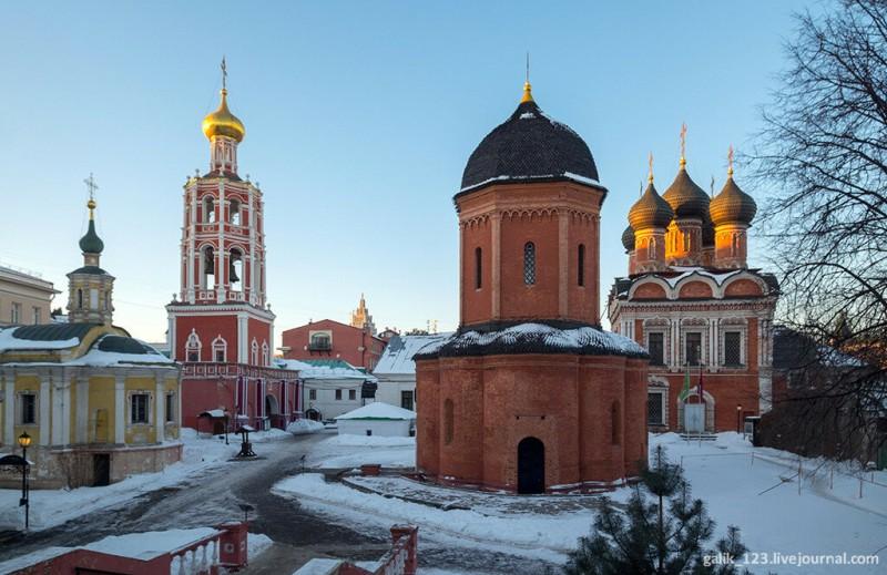 Высоко-Петровский монастырь в Москве