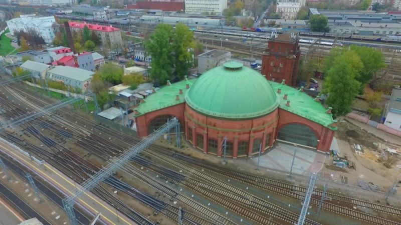 Здание кругового депо на Ленинградском вокзале.
