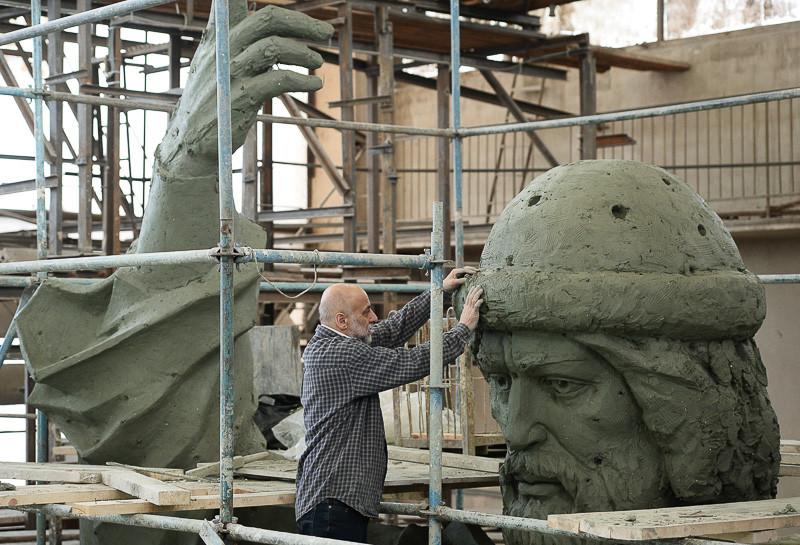 Работа над памятником Великому князю Владимиру. Фото: Блинов РИА Новости