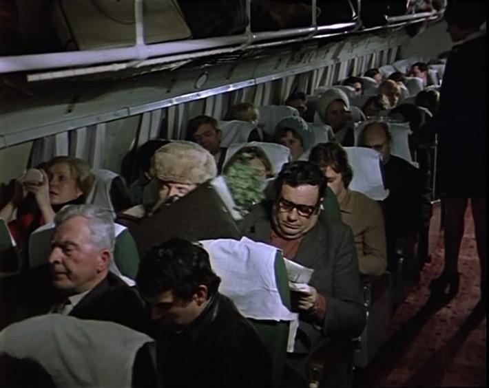 """Неудобный пассажир. Кадр из кинофильма """"Ирония судьбы"""""""