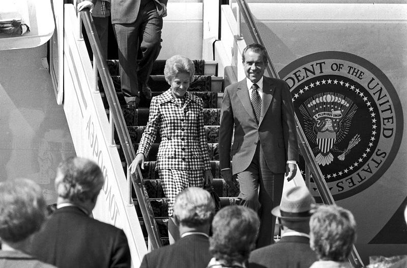 Ричард Никсон с супругой