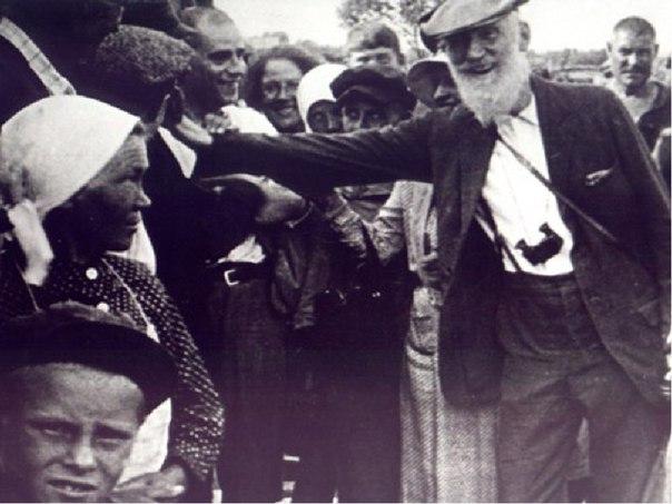 Бернард Шоу общается с народом
