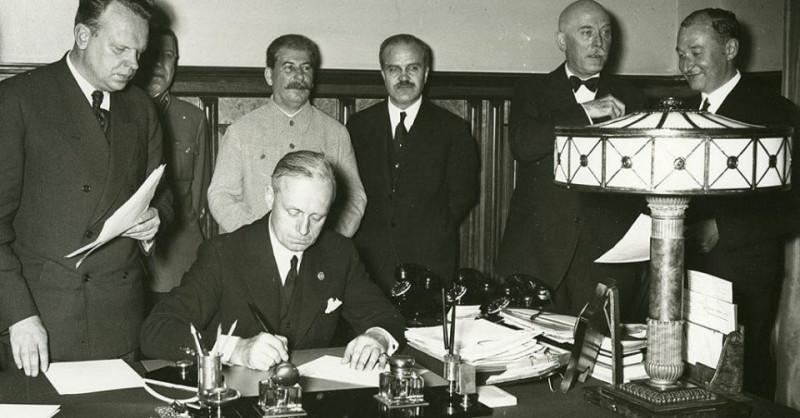 Подписание договора о ненападении