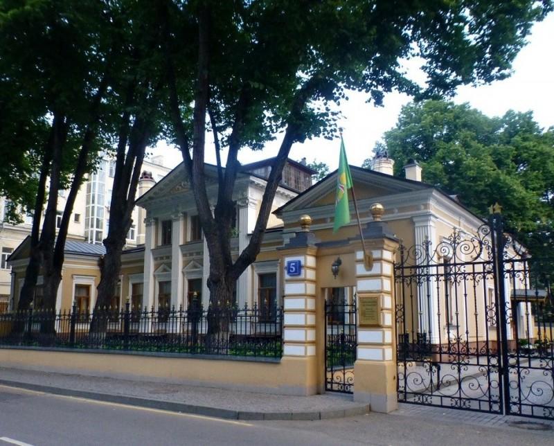 Дом № 5 в Чистом переулке. Москва