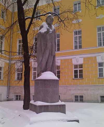 Памятник Николаю Огареву