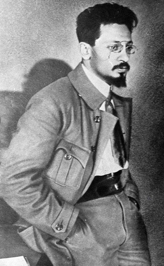Яков Свердлов.