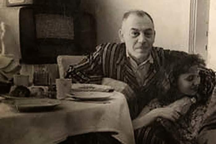 Василий Джугашвили в казанской квартире.