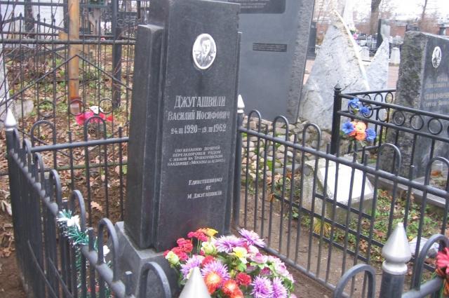 Кенотаф на Арском кладбище в Казани.