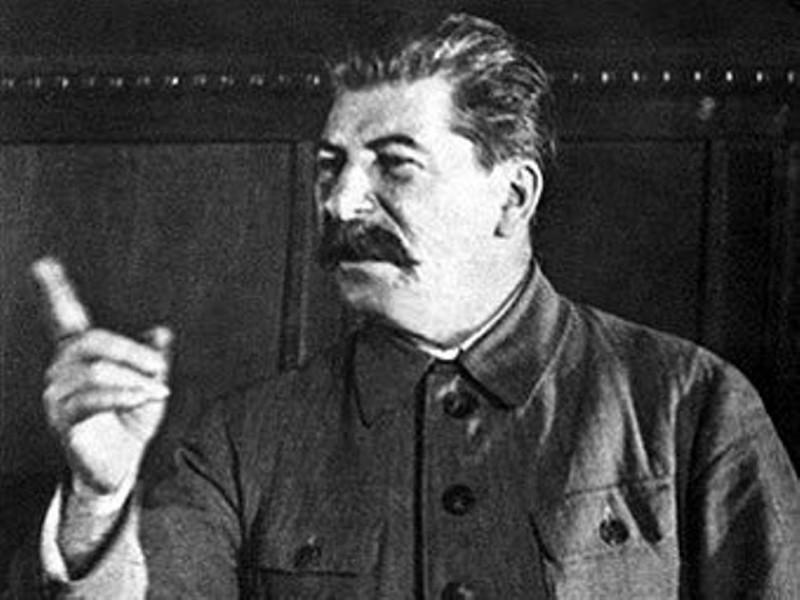 И. Сталин учит писателей патриотизму