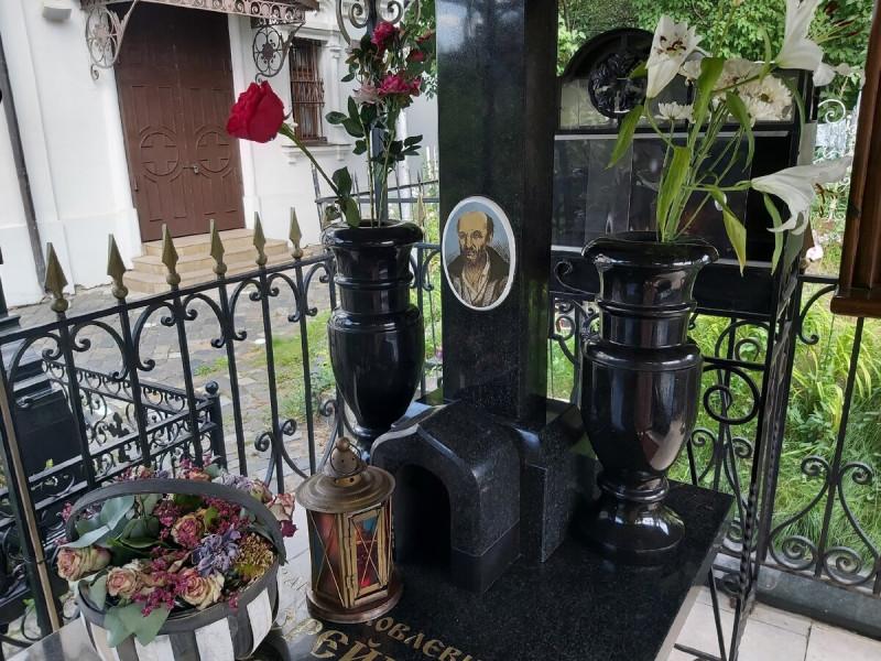 Могила блаженного Ивана Яковлевича Корейши на Черкизовском кладбище