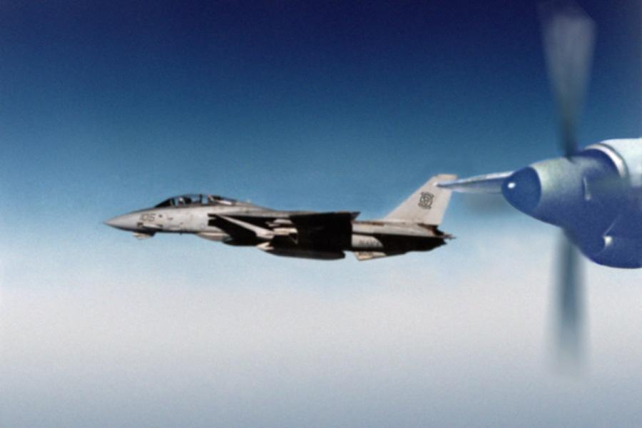 Перехват-Ан-12-экипажа-Алешина-F-14-над-Индийским-океаном.-28.09.1984