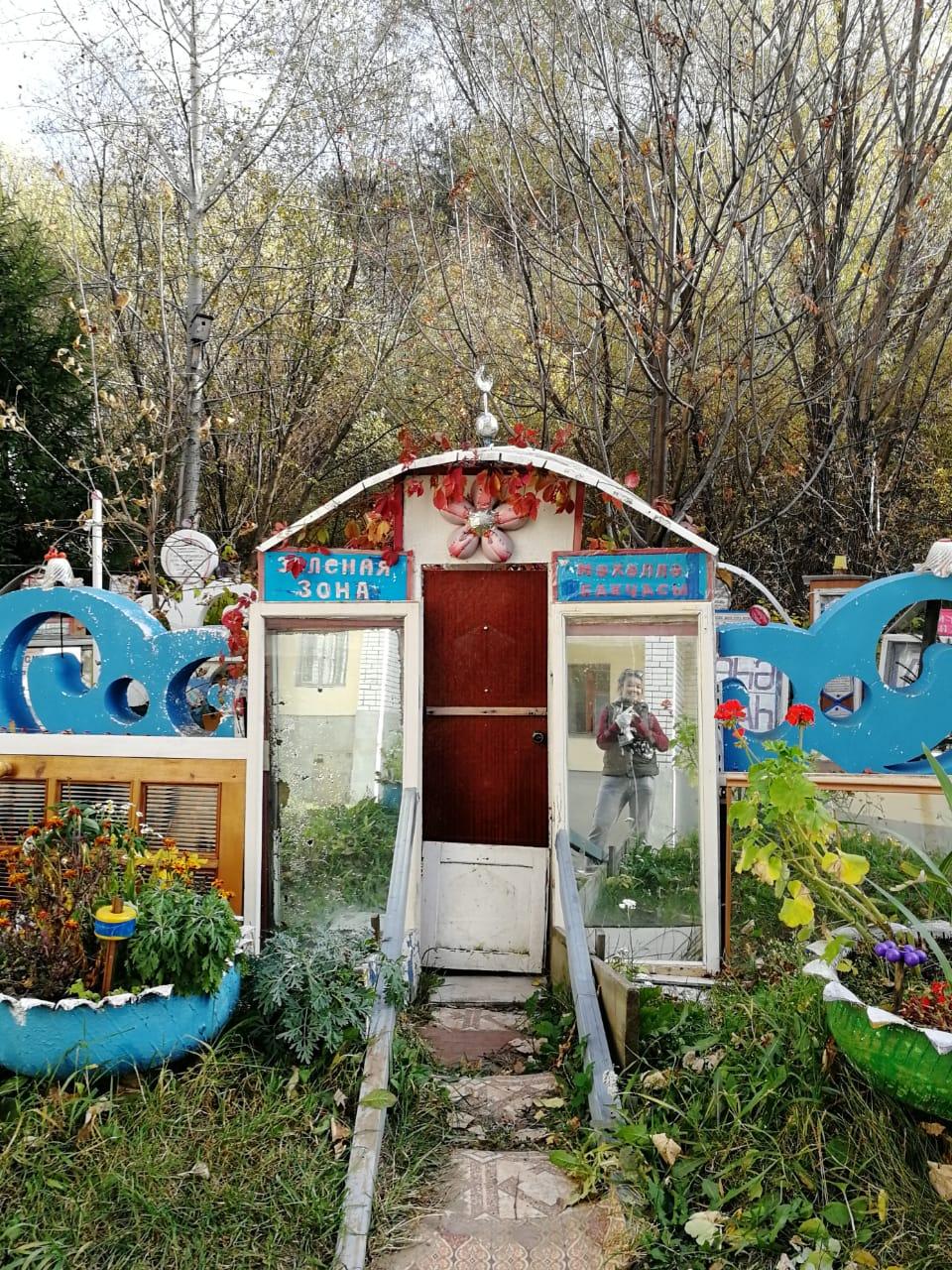 На озере обнаружили вот такой самодельный мини-музей