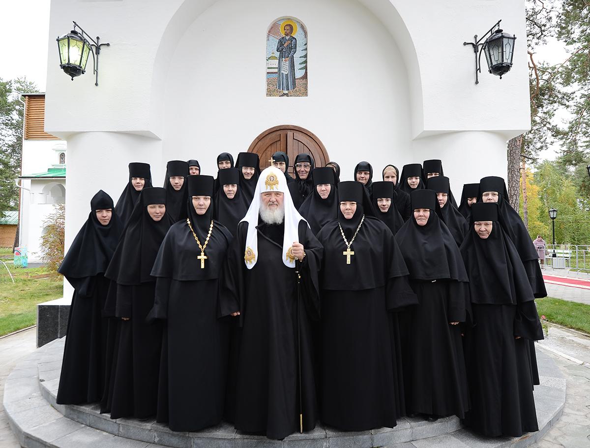 Патриарх_святоуспенский пюхтицкий монастырь_когалым_сен2013