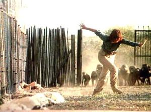 В тени Килиманджаро 1986.avi_snapshot_00.56.36_[2017.03.26_15.40.51]