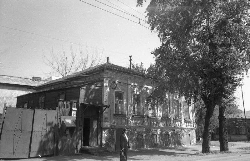 Оренбург ул.Комсомольская д.84. Дом с интересной историей, достоин отдельного поста.