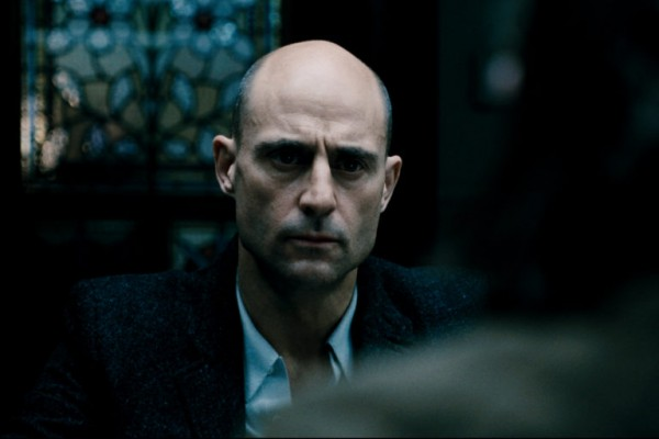 BLOOD_Robert-Seymour_Mark-Strong-768x512