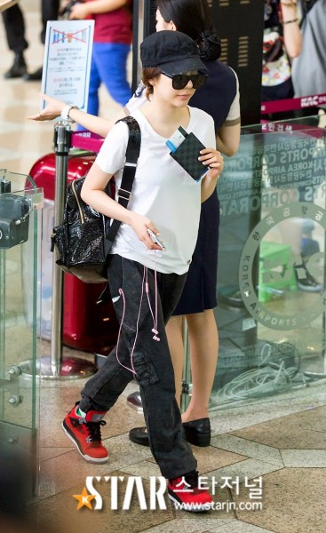 snsd airport pictures (27)