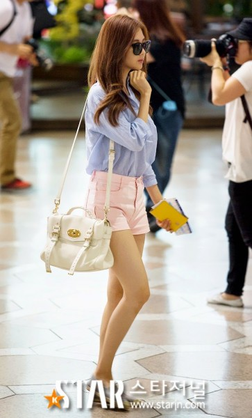snsd airport pictures (17)