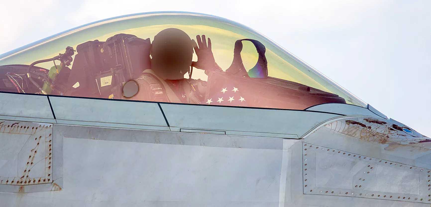 【軍事】米国空軍、F-35Aにかわる第6世代新型戦闘機の開発を断念する可能性 YouTube動画>3本 ->画像>12枚