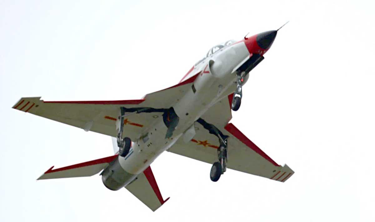 Китайцы продолжают попытки посадить МиГ-21 на палубу... JL9_4