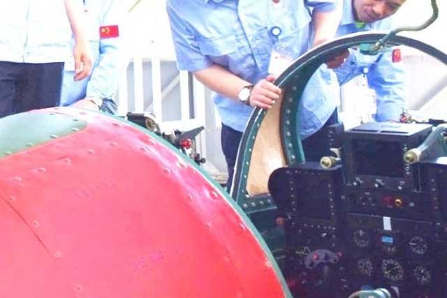 Китайцы продолжают попытки посадить МиГ-21 на палубу... JL9_1
